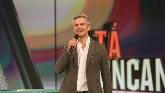 'Tá Brincando': Otaviano Costa se emociona em coletiva de novo programa