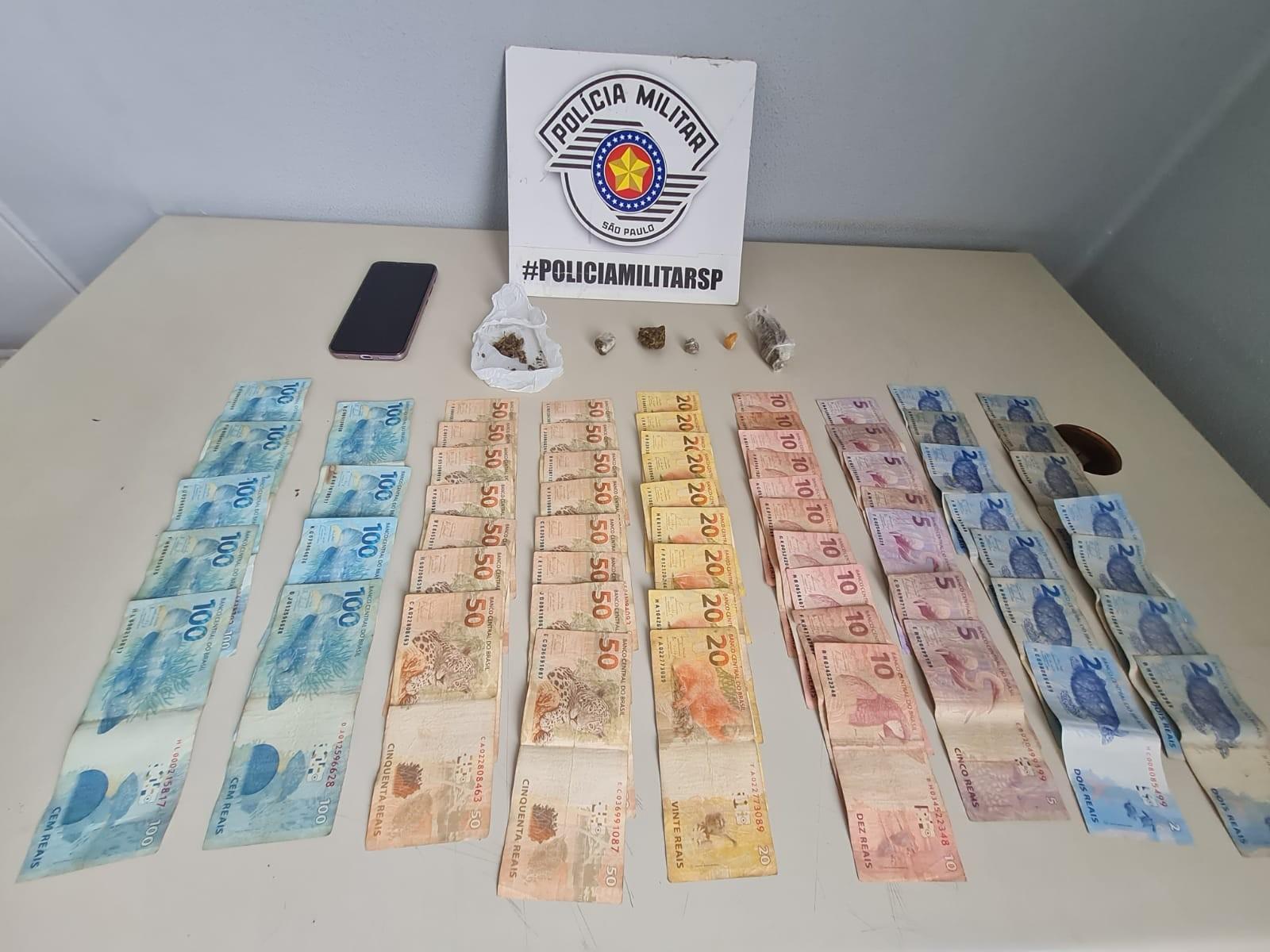 Motociclista é flagrado com drogas e quase R$ 2 mil no bolso, confessa tráfico e acaba preso em Presidente Prudente