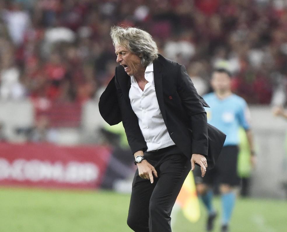 Não teve clima amistoso para Jorge Jesus no jogo da festa — Foto: André Durão