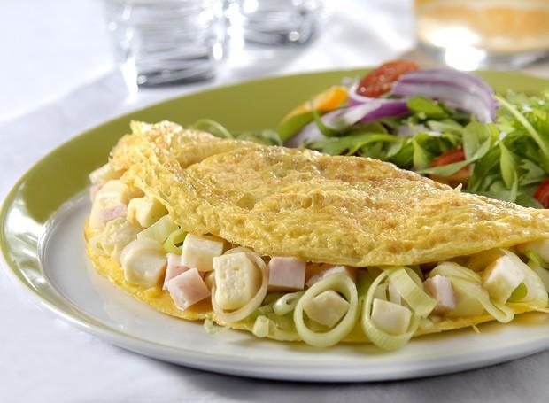 Omelete com queijo minas e alho poró, da Tirolez (Foto: Divulgação )
