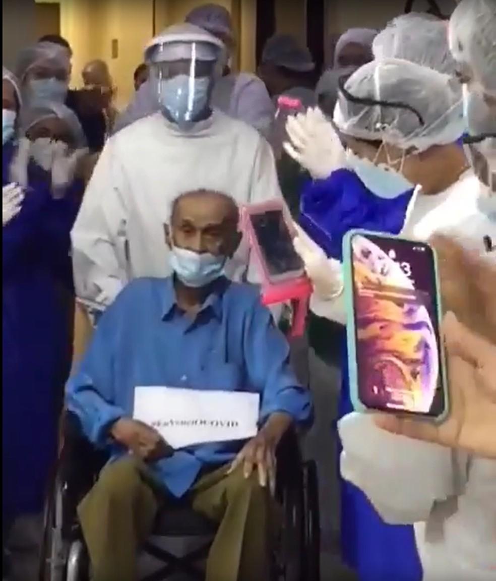 Idoso de 99 anos recebe alta de hospital em Natal após tratar Covid-19.  — Foto: Reprodução