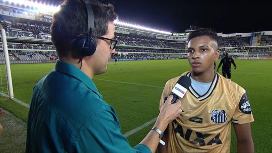"""Rodrygo minimiza cobranças no Santos: """"Jogo no maior time do Brasil, então é normal"""""""