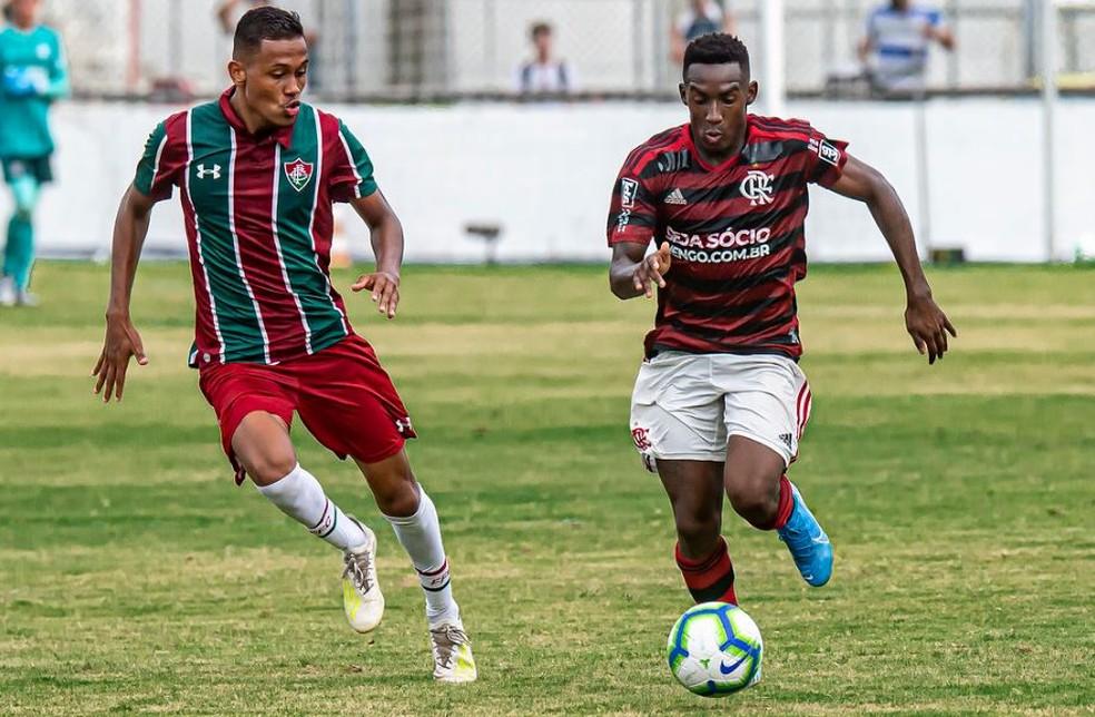Yuri César em ação contra o Fluminense pelo sub-20 — Foto: Marcelo Cortes / Flamengo