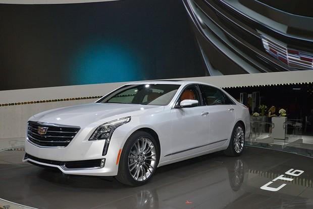 Cadillac CT6 no Salão de Nova York 2015 (Foto: Newspress)