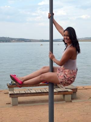 A estudante Flávia, de 18 anos: procurou esporte e agora quer competir (Foto: Lucas Soares)