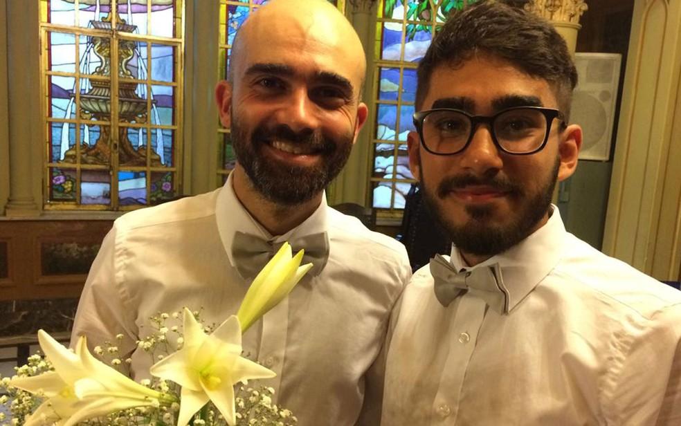 Casamento coletivo igualitário em São Paulo: Amer Moussa e Rafael Sarmento — Foto: Marina Pinhoni/G1