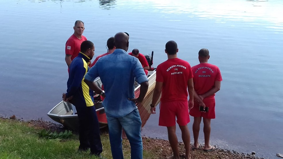 Bombeiros resgataram corpo da universitária Natália Ribeiro Costa do Lago Paranoá, em Brasília — Foto: Corpo de Bombeiros/ Divulgação