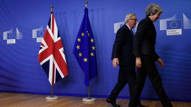 """Um conjunto de """"intenções"""" também foi assinado por líderes europeus para basear as negociações sobre o futuro das relações Reino Unido-União Europeia (Foto: AFP via BBC)"""