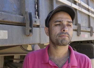 caminhos-caminhoneiro-adalberto-parana (Foto: Fernando Martinho/Ed. Globo)