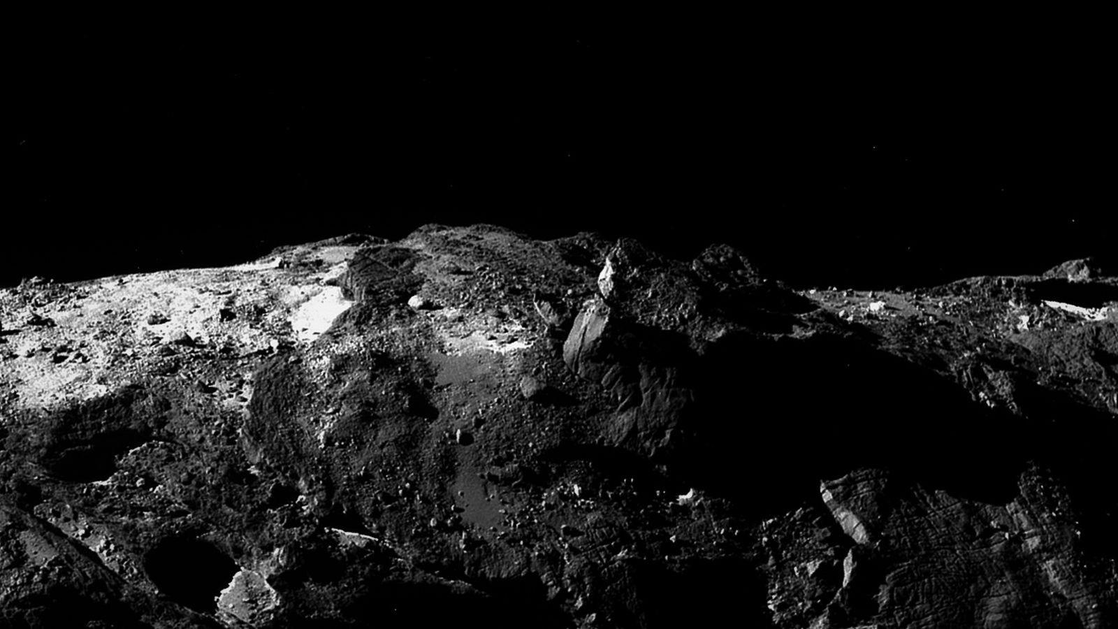 Montagem editada do cometa 67P/Churyumov-Gerasimenko (Foto: Reprodução)