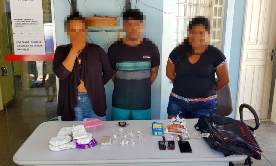 Cinco pessoas são detidas com drogas dentro de embarcação em porto no Amazonas - Radio Evangelho Gospel