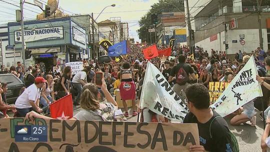 Araraquara, Rio Claro, São Carlos, São João e Araras têm atos contra cortes de verbas na educação