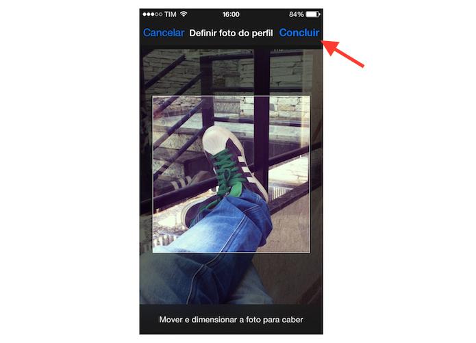 Redimensionando e definindo uma foto salvo no iPhone no perfil do Facebook (Foto: Reprodução/Marvin Costa)