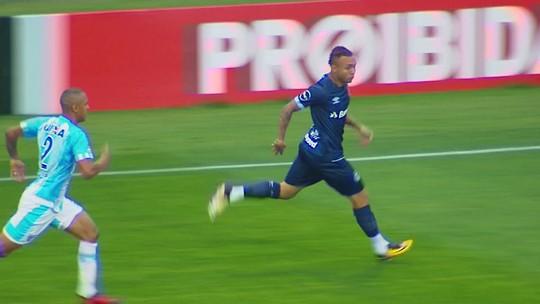 """""""Independente de ser direto, precisamos vencer"""", diz Marquinhos, sobre o Coxa"""