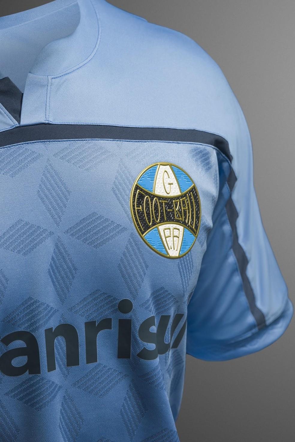 A terceira camisa do Grêmio lançada em 2020 — Foto: Divulgação / Umbro
