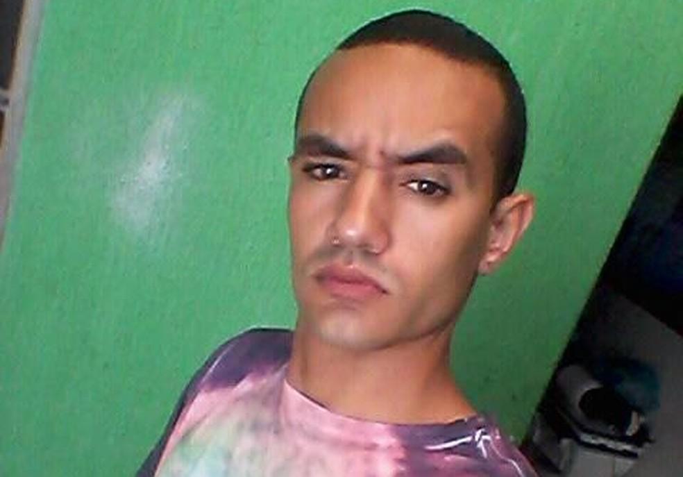 Stefano Jesus de Amorim, de 21 anos, matou ex-mulher a facadas em Santa Maria, no Distrito Federal (Foto: Facebook/Reprodução)