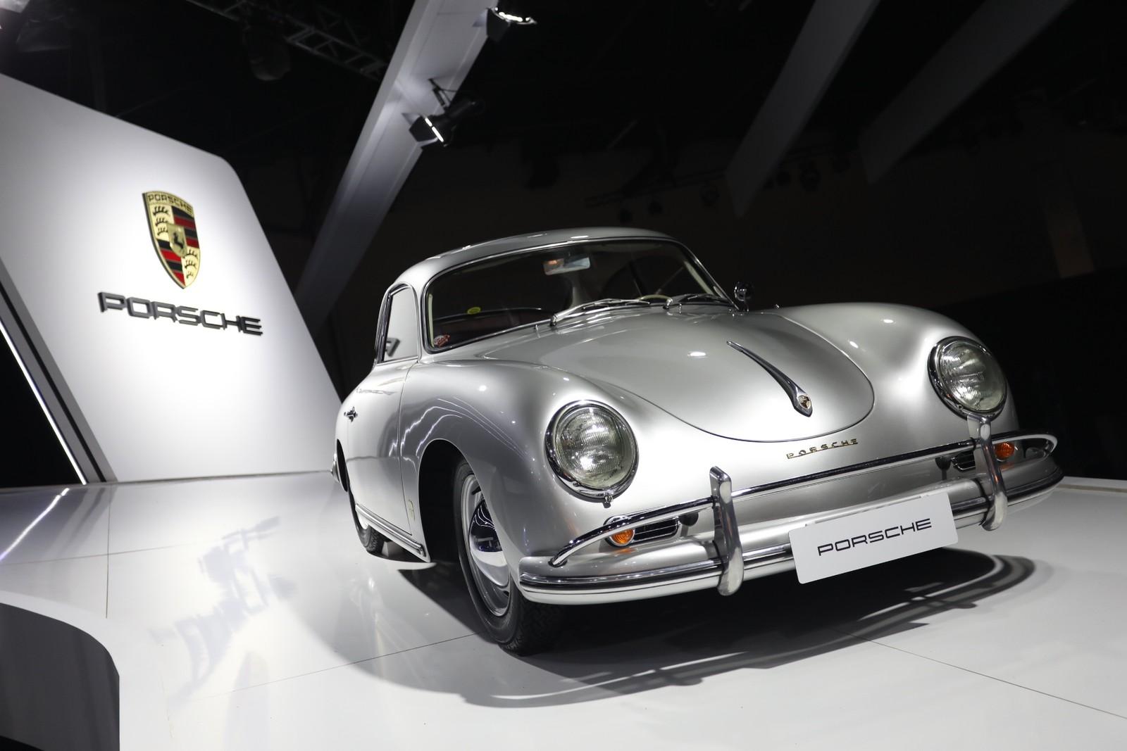 De Jeep da guerra até primeiro Porsche, marcas revivem clássicos no Salão do Automóvel 20181106071646-f99a9299