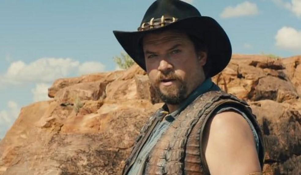 Danny McBride como Brian Dundee, no filme