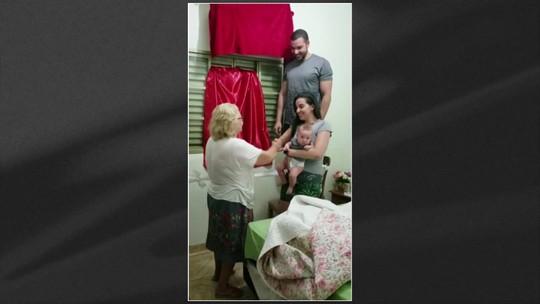 Em Goiás, idosa de 74 anos faz festa para compra do primeiro ar-condicionado