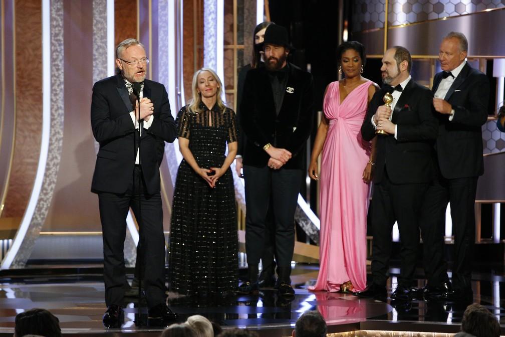 """Elenco de """"Chernobyl"""" recebe Globo de Ouro de melhor série limitada ou filme para TV — Foto: Paul Drinkwater/NBC via AP"""
