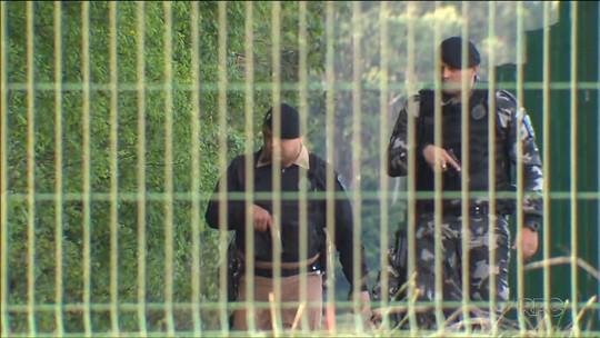 Policiais procuram assaltantes que atropelaram e mataram tenente da PM; suspeitos morrem em confronto