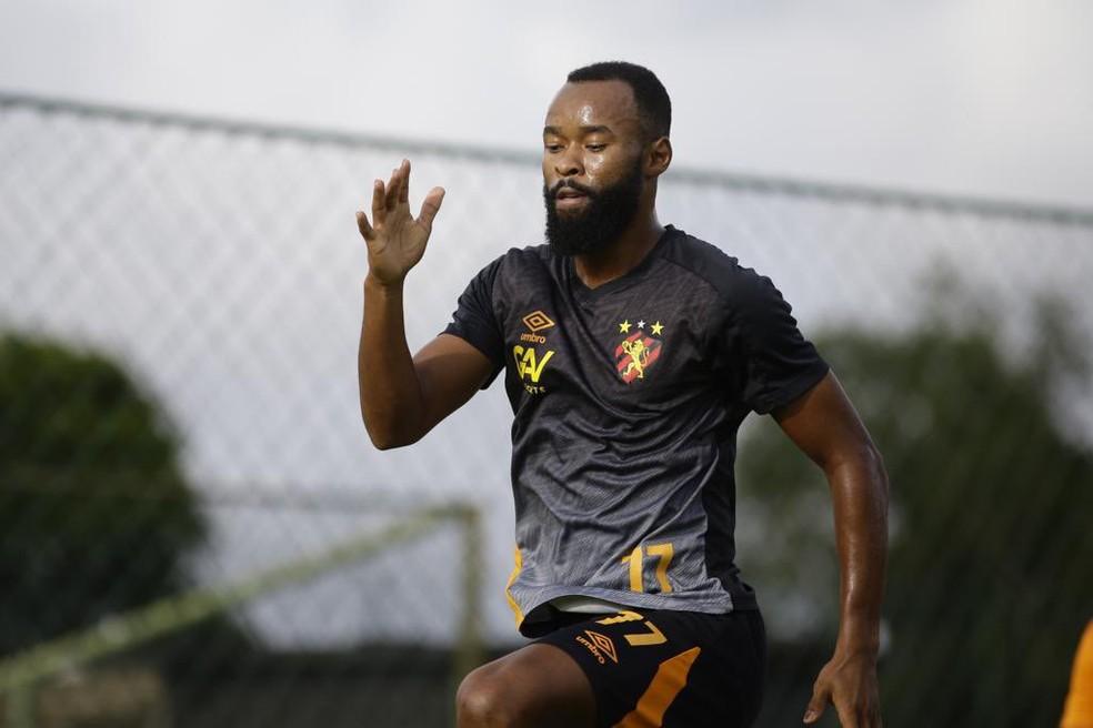 Marcão em treino pelo Sport — Foto: Anderson Stevens / Sport Club do Recife
