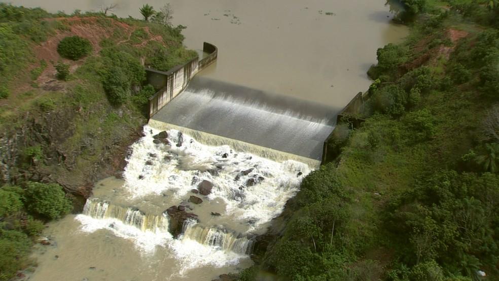 Barragem de Pirapama, no Grande Recife  — Foto: Reprodução/TV Globo