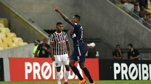 Bruno Henrique comemora o gol do jogo no Maracanã