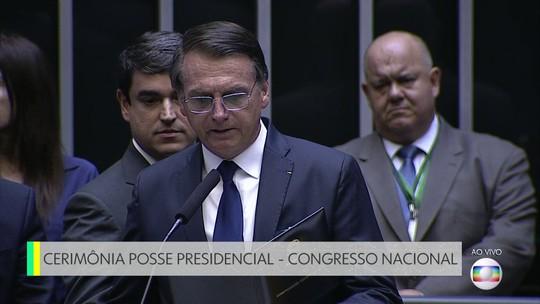 Jair Bolsonaro e Mourão são empossados