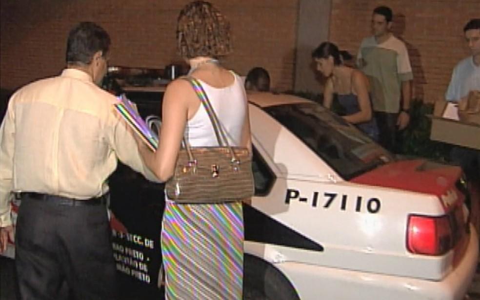 Casal proprietário da Delta Agro Industrial foi preso em 2005 em Ribeirão Preto — Foto: Reprodução/EPTV/Arquivo