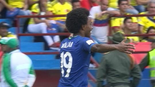 Willian leiloa chuteiras de golaço contra Colômbia para ajudar instituição