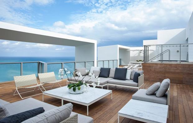 Terraço da suíte E-WOW Penthouse, do hotel W South Beach (Foto: Divulgação)