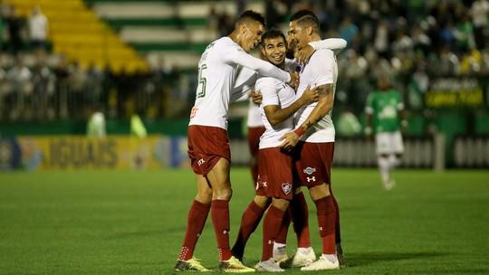 Análise: três zagueiros controlam força aérea da Chape e voltam a ser alternativa no Fluminense