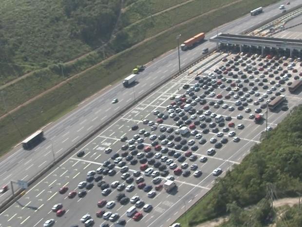 Pedágio da rodovia dos Imigrantes, neste sábado (28) (Foto: G1)