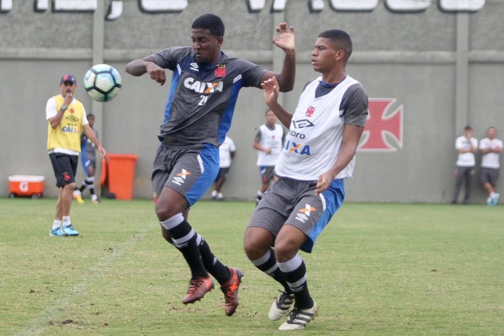 Thalles durante treino em São Januário em 2017: poucas chances e fim da paciência da diretoria (Foto: Paulo Fernandes / Vasco)