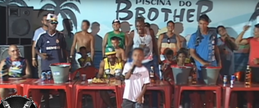 MC Doguinha canta vídeos com teor sexual aos 9 anos (Foto: Reprodução / YouTube)