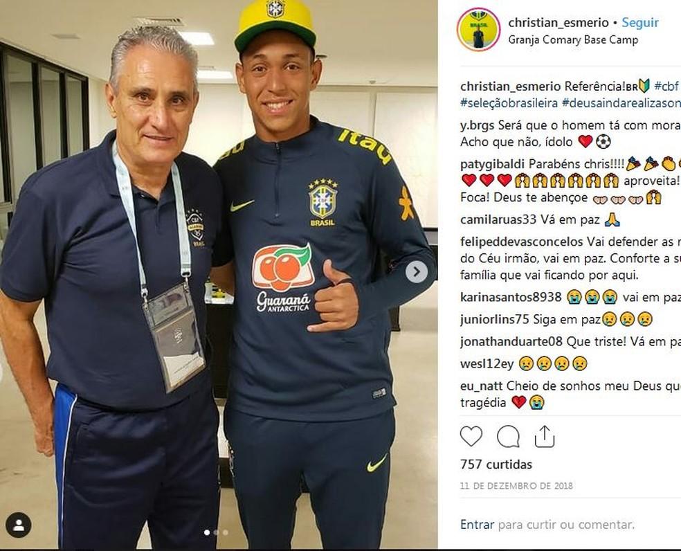 Goleiro ao lado do técnico da seleção brasileira Tite — Foto: Reprodução/Instagram