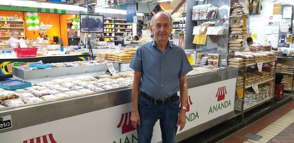 Geraldo Henrique Campos trabalha no Mercado Central há mais de 6 décadas — Foto: Alex Araújo/G1