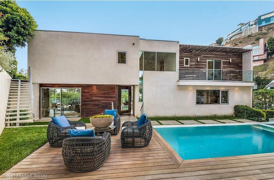 Mansão de Hugh Hefner herdada por Crystal Harris em Hollywood Hills (Foto: Divulgação Imobiliária Douglas Elliman)