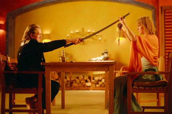 David Carradine e Uma Thurman em cena de Kill Bill - Volume 2 (2004) (Foto: Reprodução)