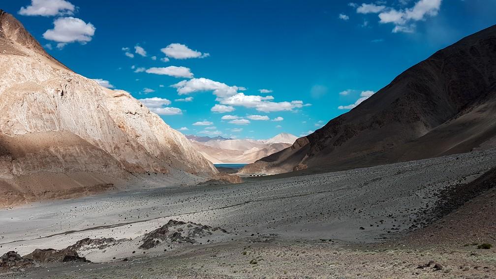 Caminho para o Pangong Tso, em Ladakh, na Índia (Foto: Rafael Miotto / G1)