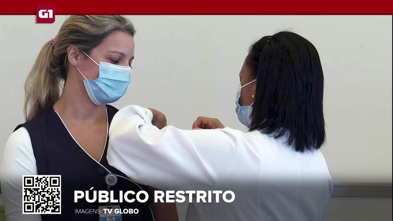 G1 em 1 Minuto: Com pouca vacina e muita gente na fila, estados restringem público-alvo