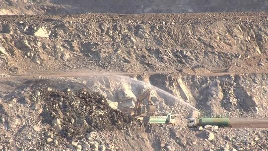 Governo sanciona lei que autoriza extração do amianto em Goiás