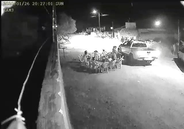 Vídeo mostra momento em que criança é atropelada durante culto em rua; menino de 2 anos morreu