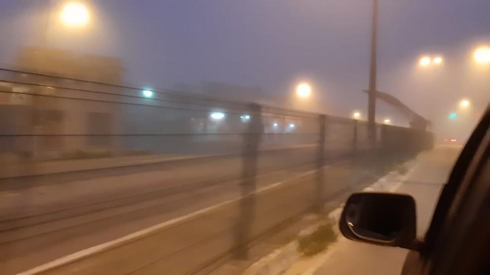 Natal amanheceu sob névoa nesta quarta (27). — Foto: Mariana Rocha/Inter TV Cabugi