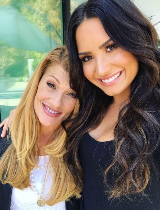 Dianna De La Garza e sua filha Demi Lovato (Foto: Divulgação)
