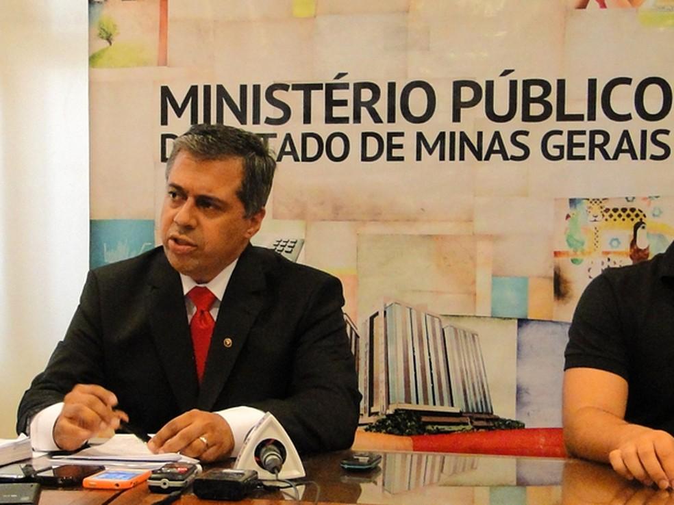O promotor André de Pinho — Foto: Pedro Ângelo/G1