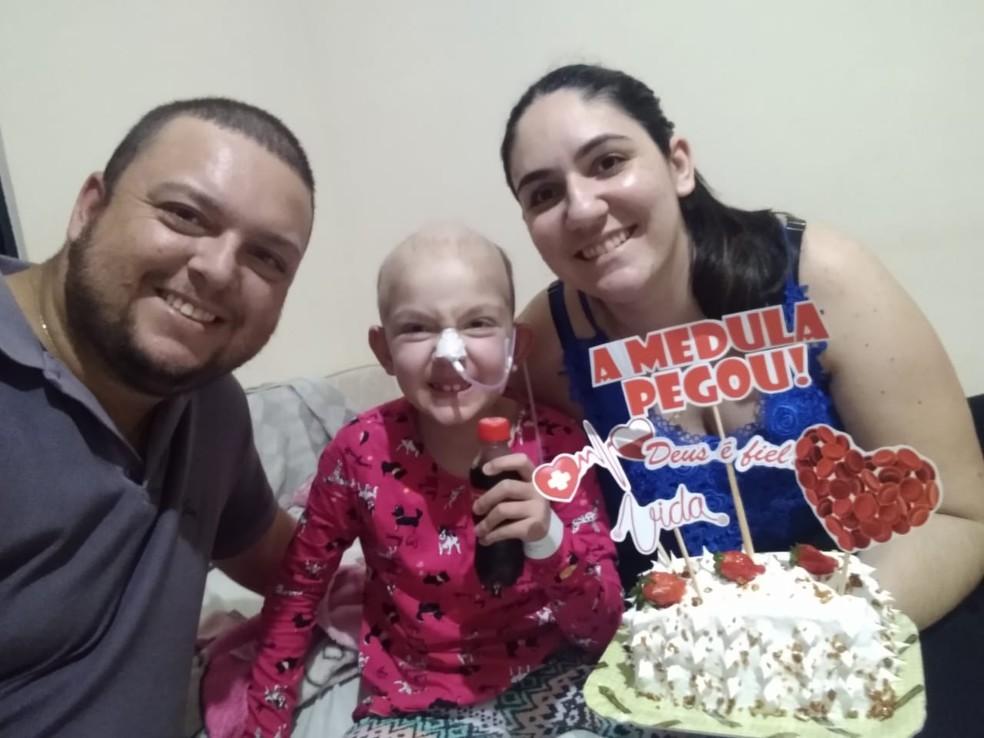 Menina com leucemia, de Areiópolis, recebeu transplante de medula do pai — Foto: Arquivo pessoal/Jéssica Lopes Sartorelli