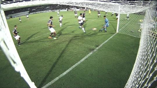 Esposa explica escolha da camisa 19 por Gustagol e detalha volta por cima  no Corinthians