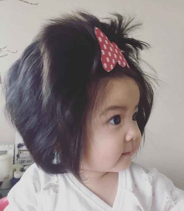 A bebê Chanco estrela propaganda de cosméticos para os cabelos (Foto: P&G Japan Hair Care Communications)